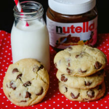Chocolate chip cookies plnené nutellou